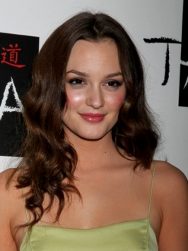 Leighton Meester Soft Wavy Hairstyle