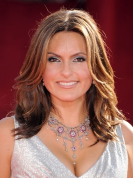 Mariska Hargitay Hairstyle at the 2009 Emmy Awards
