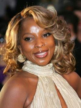 Mary J Blige's Shoulder Length Hairstyle