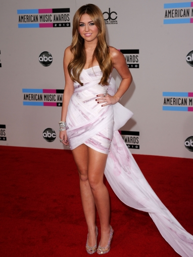 Miley Cyrus in Marchesa