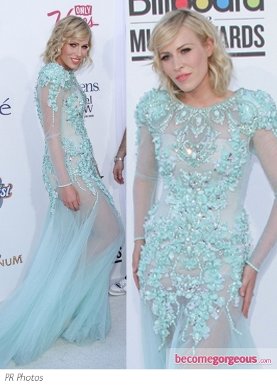 Natasha Bedingfield in Beaded Turquoise Gown