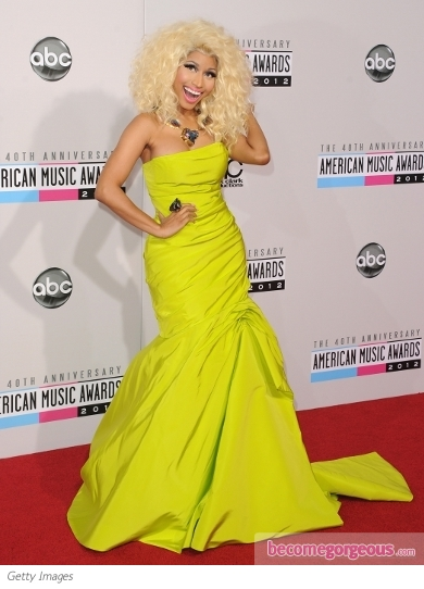 Nicki Minaj in Monique Lhuillier at the 2012 AMAs