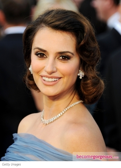 Penelope Cruz's Updo from the 2012 Oscars