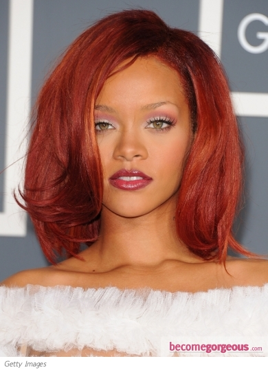 new rihanna hair 2011. Rihanna Hairstyle at the 2011
