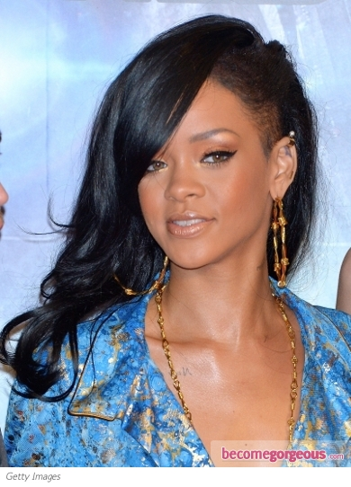 Maddyson Roam Fashionista's Delight: Rihanna's New Dark ...