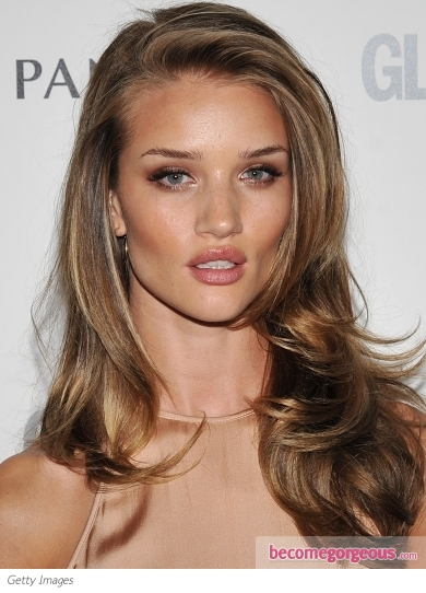 Rosie Huntington-Whiteley Sexy Blowout Hairstyle
