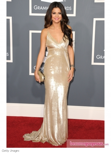 selena gomez pics of 2011. selena gomez grammys dress