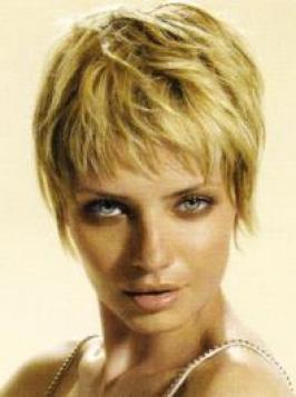 Go glam with this voguish short choppy haircut. Complement your gorgeous micro-Bob with a hot fringe design for guaranteed success.