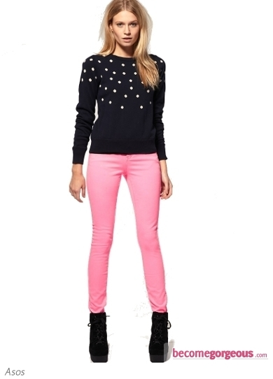 Were always intrigued by the neon color palette? Try on this faddish Primary Skinny Jeans to stand out from the rest of the crowd with your on trend look.