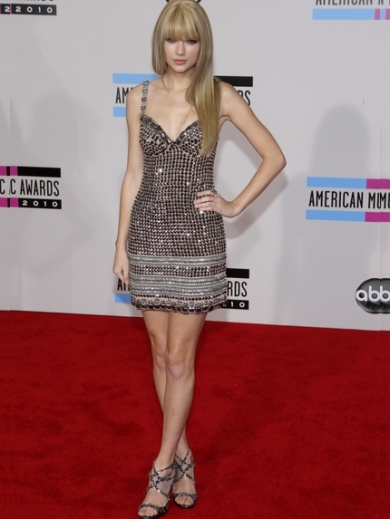 Taylor Swift in Collette Dinnigan