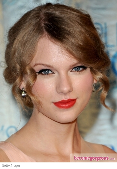 Taylor Swift Curly Chignon. Taylor Swift Hairstyles pictures