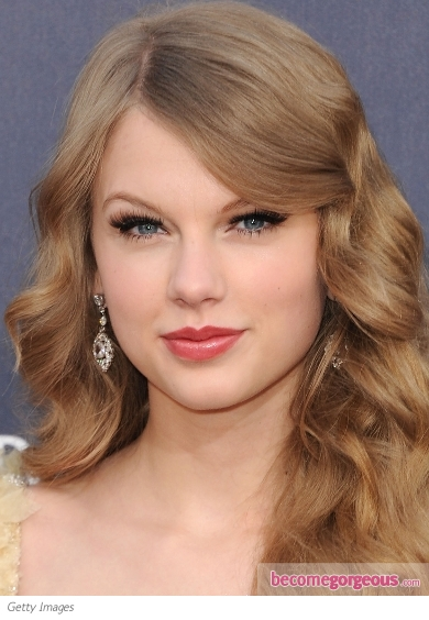 Taylor Swift Lovely Cat Eye Makeup