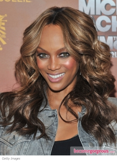 Tyra Banks Loose Curls Hairstyle