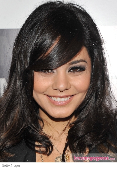 Vanessa Hudgens Chic Smokey Eye Makeup
