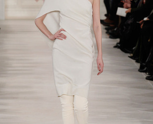 Ralph Lauren managed to combine simplicity with elegance wile still keeping the designs highly wearable. Check out the brand's fall 2014 collection and feat your eyes on the amazing ensembles!
