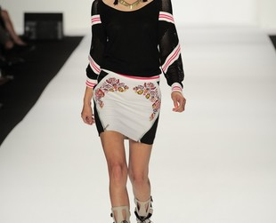 Designer Rebecca Minkoff chose to take a sporty-chic vibe with artisanal twists with her spring 2014 collection.