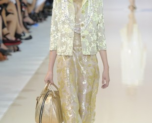 Soft pastels and luxurious glam accents dominated the spring 2014 runway at Rochas, so check out the looks, next!