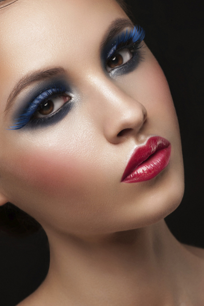 How to Make smokey eyes makeup in Pictures, photos