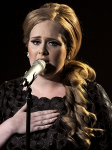 Adele's Curly Side Pony