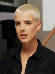 Agyness Deyn Extra Short Bleached Hairstyle