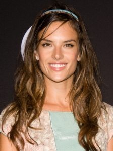 Alessandra Ambrosio Wavy Hairstyle with Hairband