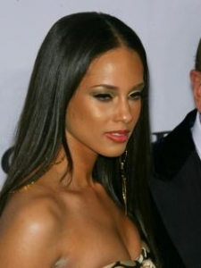 Alicia Keys with Long Relaxed Hairstyle