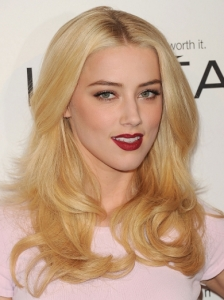 Amber Heard Loose Curls Hairstyle