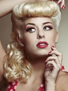 Chic Pin Up Girl Hair Style