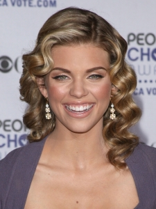 AnnaLynne McCord Retro Curly Hairstyle
