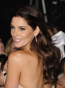 Ashley Greene's Pinned Back Waves
