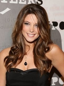 Ashley Greene's Long Curly Hairstyle