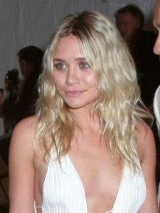 Ashley Olsen's Beach Waves Hairstyle