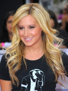 Ashley Tisdale Loose Curly Hairstyle