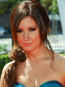 Ashley Tisdale Textured Pony Hairstyle