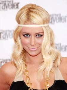Aubrey ODay Wavy Hairstyle with Headband