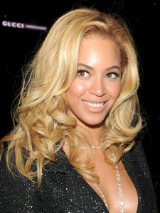 Beyonce Hairstyle at the 2011 Grammy Awards