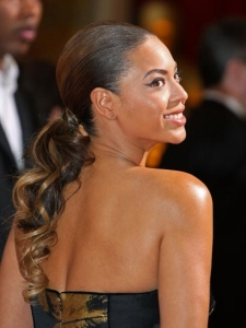 Beyonce's Curly Ponytail at Oscars 2009