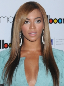 Beyonce Sleek Brunette Hairstyle