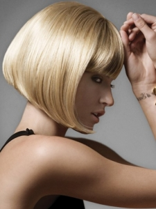 Super-Straight Medium Bob Hair