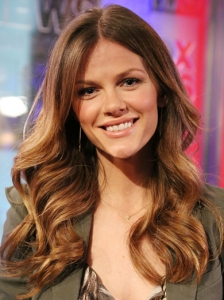Brooklyn Decker Light Brown Hair Color