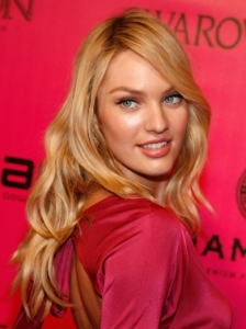 Candice Swanepoel Loose Wavy Hairstyle