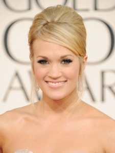 Carrie Underwood Hairstyle at Golden Globe 2011