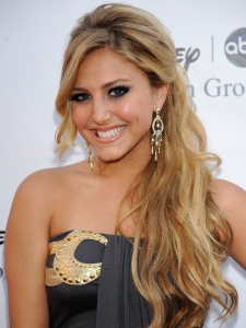 Cassie Scerbo Half Up Hairstyle