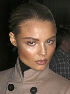 Dewy Makeup Idea