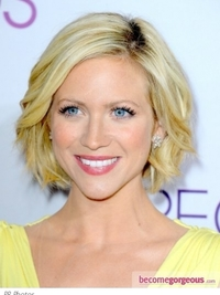 Brittany Snow's Hairstyle at 2013 People's Choice Awards