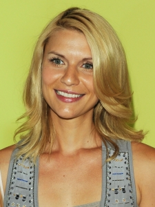 Claire Danes Medium Layered Hairstyle