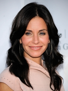 Courtney Cox Soft Waves Hairstyle