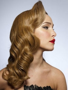 Long Vintage Waves Hairstyle