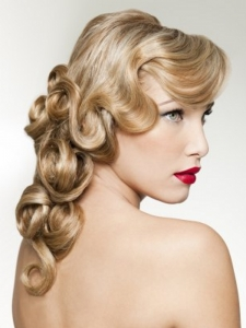 Old Hollywood Curly Hair Style