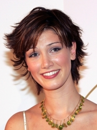 Delta Goodrem Short Shag Hairstyle